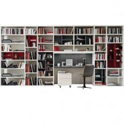 Bibliothèque ouverte avec bureau