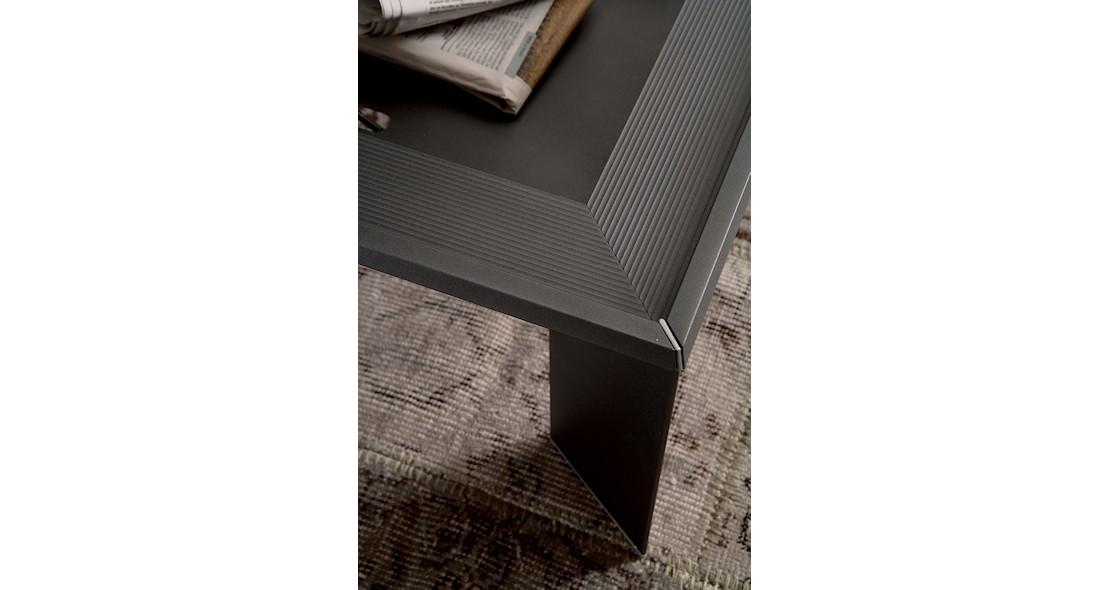 Table de salon transformable en table repas avec piétement alu profilé et plateau en véritable bois de placage