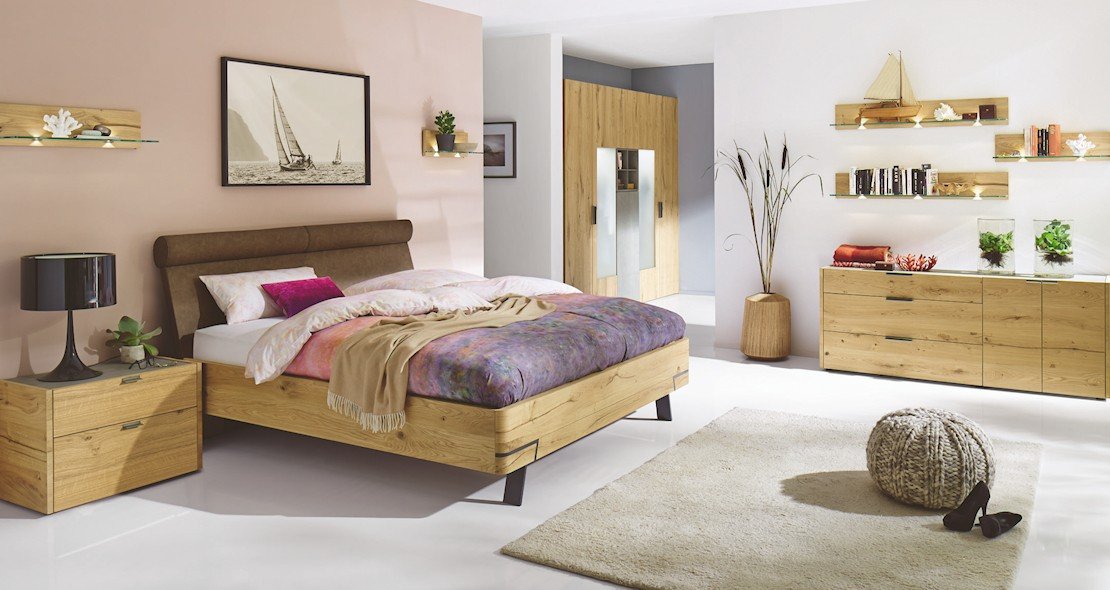 Chambre à coucher Hulsta Fena en chêne avec armoire 4 portes