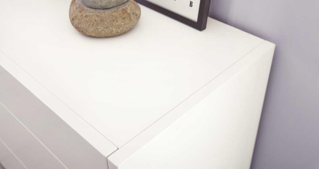 Chambre à coucher Hulsta Fena en blanc mat avec armoire 4 portes