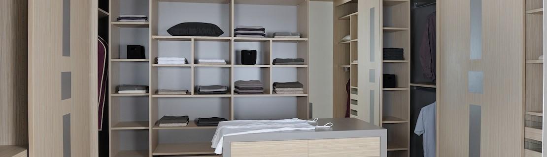Dressing & Placard Sur-Mesure ▷ Aménagement sous pente & escalier • Antony-deco